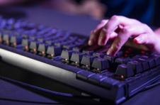 腾讯云助力游戏开发者,开放支持《王者荣耀》《和平精英》游戏原生数据库